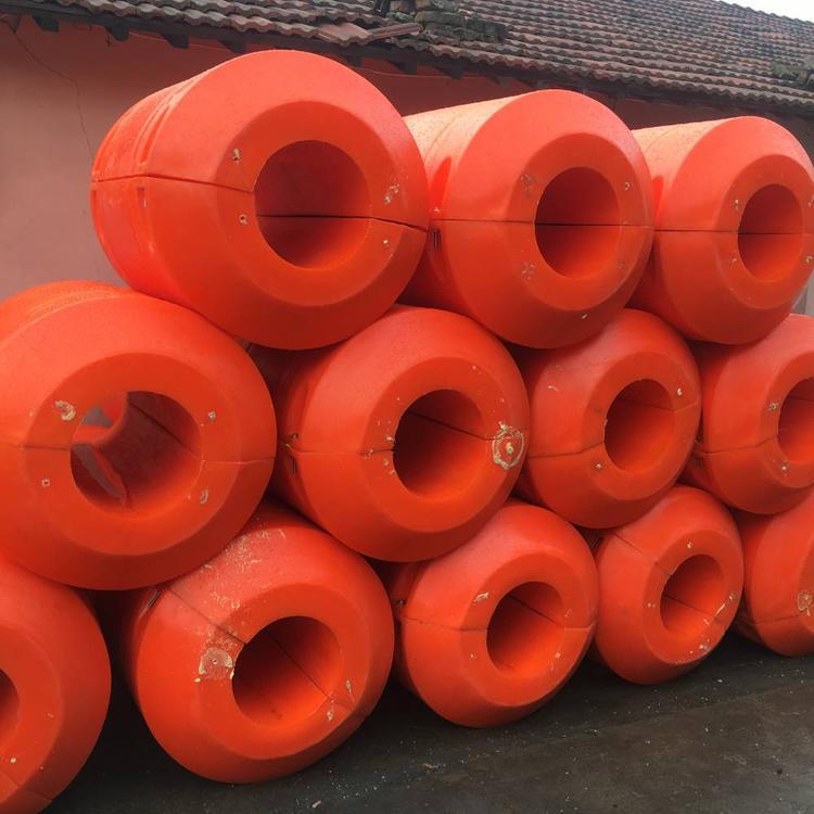 320管径塑料管道浮体内河疏浚浮桶安装