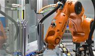 """机器人 """"?#39034;薄?涌来,?#34892;?#22411;企业该如何选择?"""