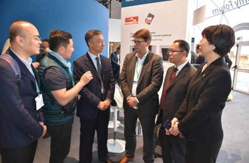 中国塑协与欧洲塑料加工商协会见面会谈