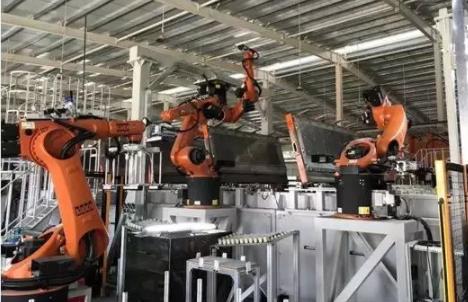 強強聯合 | 美的工業自動化 & KUKA 機器人助力打造國內首條全自動裝配式整裝衛浴生產線